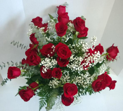 Red rose delivery Milwaukee Valentine's Day